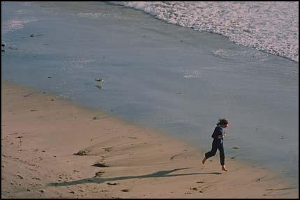 Композиция, правило третей - бегунья на берегу