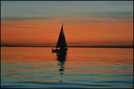 Композиция, правило третей - лодка на горизонте