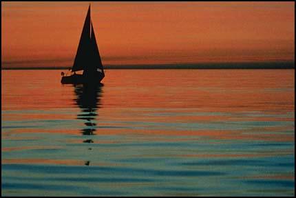 Композиция, правило третей - лодка, горизонт в верхней трети