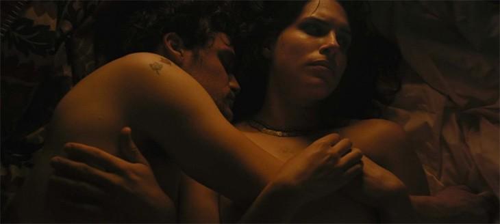 Во время постельных сцен в фильмах секс происходит на самом деле